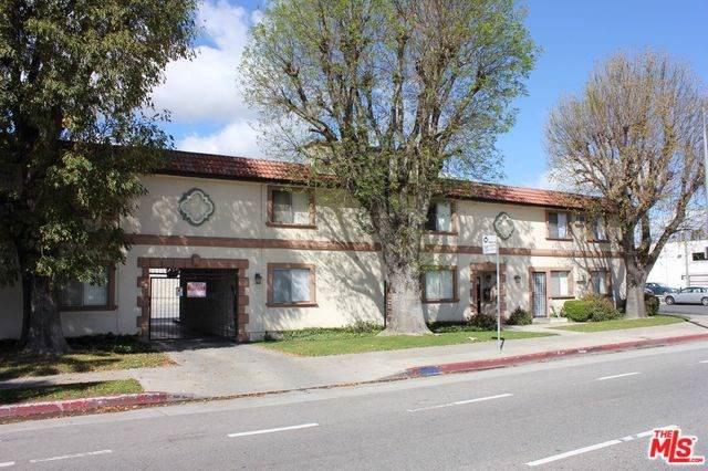 7355 Woodley Avenue, Van Nuys, CA 91406 (#19530848) :: Sperry Residential Group