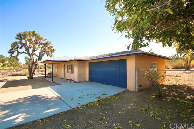 56579 Navajo Trail, Yucca Valley, CA 92284 (#JT19268135) :: The Brad Korb Real Estate Group