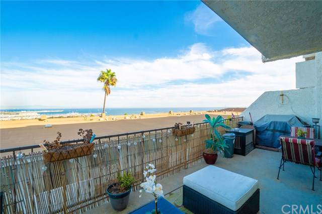 765 W 26th Street #403, San Pedro, CA 90731 (#SB19268228) :: RE/MAX Estate Properties