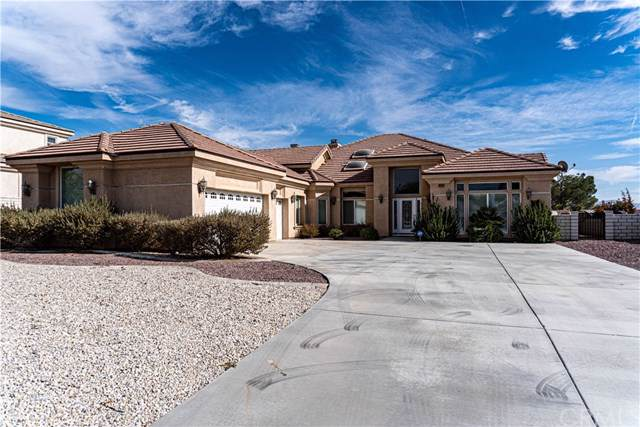 16233 Ridge View Drive, Apple Valley, CA 92307 (#IV19267961) :: The Brad Korb Real Estate Group