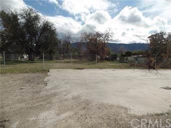 824 E Lakeshore Drive, Lake Elsinore, CA 92530 (#IV19268537) :: California Realty Experts