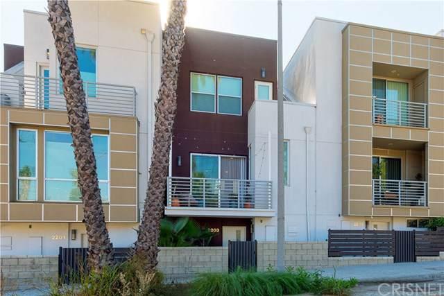 2203 Edendale Lane, Los Angeles (City), CA 90026 (#SR19260667) :: J1 Realty Group