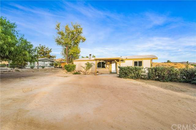 28320 Haygood Way, Lake Elsinore, CA 92532 (#SW19266900) :: California Realty Experts