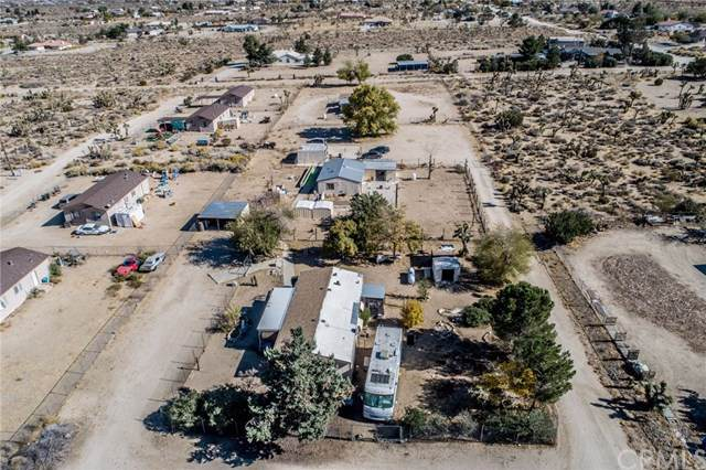 11061 Oasis Road, Pinon Hills, CA 92372 (#IV19268851) :: J1 Realty Group