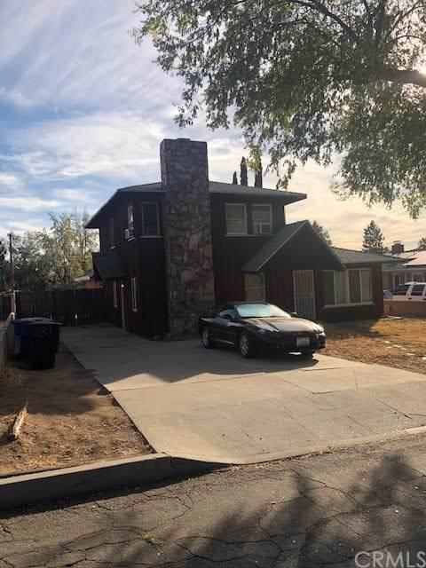 231 E 49th Street, San Bernardino, CA 92404 (#CV19268793) :: Steele Canyon Realty
