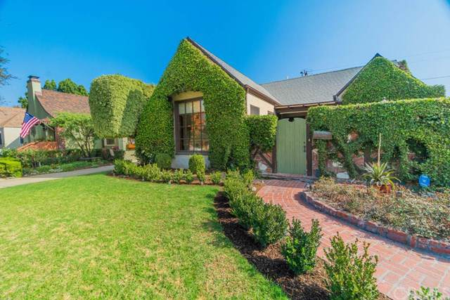 2395 N Flower Street, Santa Ana, CA 92706 (#PW19268875) :: The Marelly Group | Compass