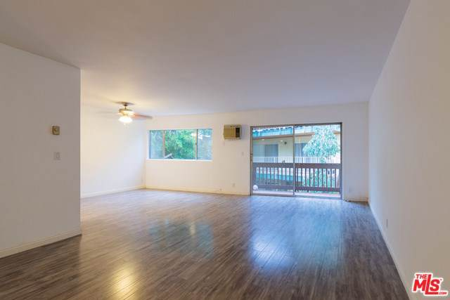 5950 Buckingham #502, Culver City, CA 90230 (#19531904) :: Steele Canyon Realty
