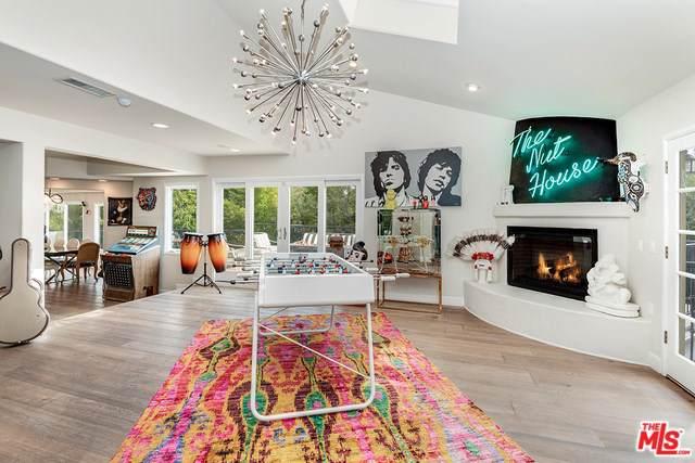 2216 E Live Oak Drive, Los Angeles (City), CA 90068 (#19532064) :: Allison James Estates and Homes