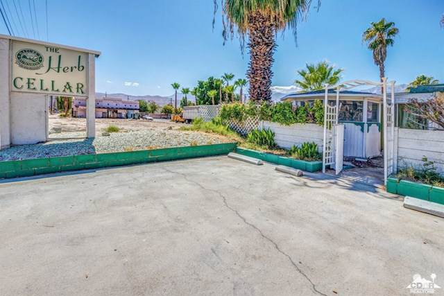 33725 Date Palm Drive, Cathedral City, CA 92234 (#219034326DA) :: Steele Canyon Realty