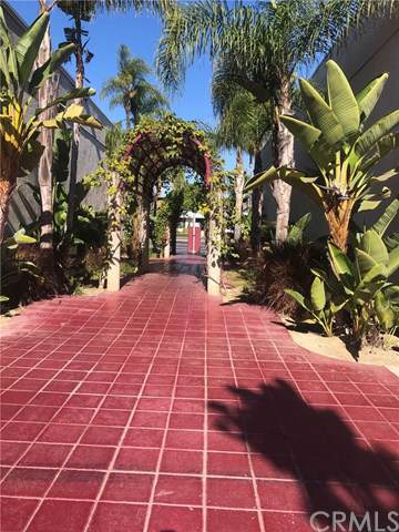 711 W 17th Street #4, Costa Mesa, CA 92627 (#NP19270291) :: Sperry Residential Group