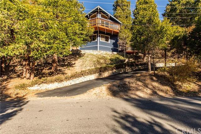 490 Clubhouse Drive, Twin Peaks, CA 92391 (#EV19268475) :: Allison James Estates and Homes