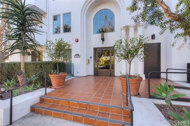 10648 Woodbridge Street #208, Toluca Lake, CA 91602 (#SR19267908) :: The Brad Korb Real Estate Group