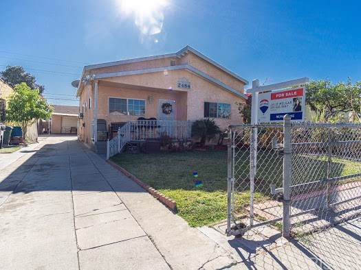 2484 Cass Place, Huntington Park, CA 90255 (#SR19271550) :: Berkshire Hathaway Home Services California Properties