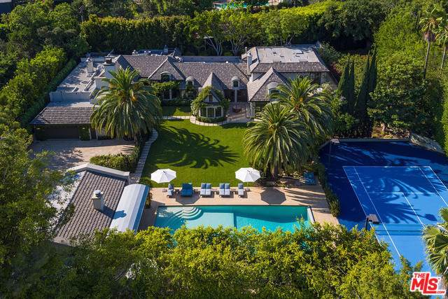 9425 Sunset, Beverly Hills, CA 90210 (#19524576) :: The Houston Team | Compass