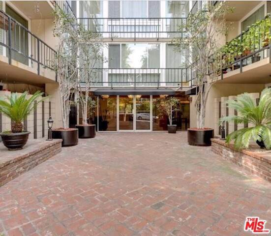 9950 Durant Drive #307, Beverly Hills, CA 90212 (#19532872) :: The Houston Team | Compass
