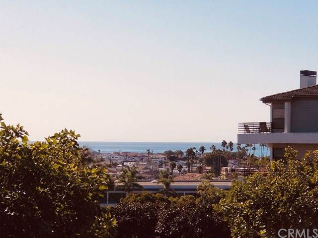 260 Cagney Lane #111, Newport Beach, CA 92663 (#OC19271859) :: Sperry Residential Group