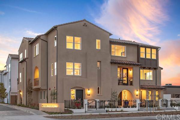 662 S Kinney Way, Anaheim, CA 92805 (#OC19272620) :: Sperry Residential Group
