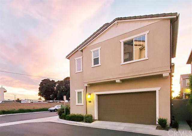 221 W Tribella Court, Santa Ana, CA 92703 (#PW19272969) :: Sperry Residential Group