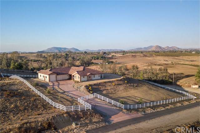 36190 Summit Circle, Temecula, CA 92592 (#SW19273105) :: Z Team OC Real Estate