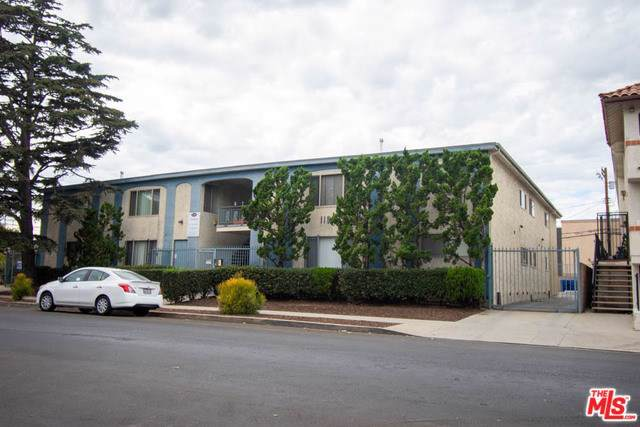 11937 Avon Way, Los Angeles (City), CA 90066 (#19533326) :: Sperry Residential Group