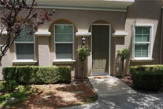 24156 Jacaranda Lane, Valencia, CA 91354 (#SR19273081) :: Crudo & Associates
