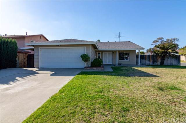 1504 S Cypress Avenue, Ontario, CA 91762 (#SW19273846) :: Bob Kelly Team