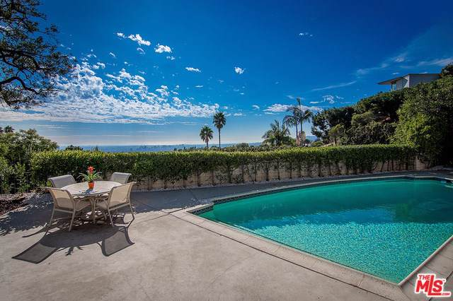 534 Chalette Drive, Beverly Hills, CA 90210 (#19533488) :: The Ashley Cooper Team