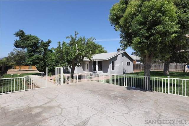 10404 Park Ave, Santee, CA 92071 (#190063448) :: OnQu Realty