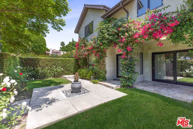 820 Huntley Drive, West Hollywood, CA 90069 (#19533616) :: The Danae Aballi Team