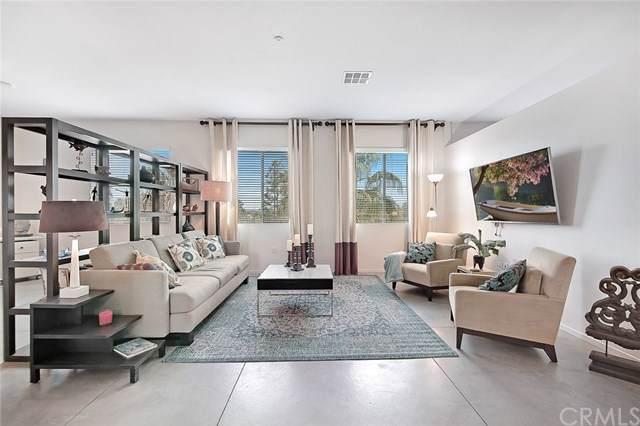 435 W Center Street Promenade #416, Anaheim, CA 92805 (#PW19272524) :: Better Living SoCal