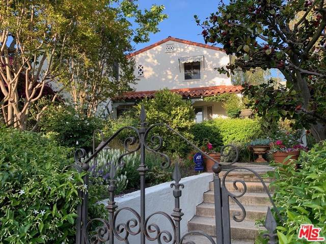 15021 Bestor Boulevard, Pacific Palisades, CA 90272 (#19489804) :: Sperry Residential Group
