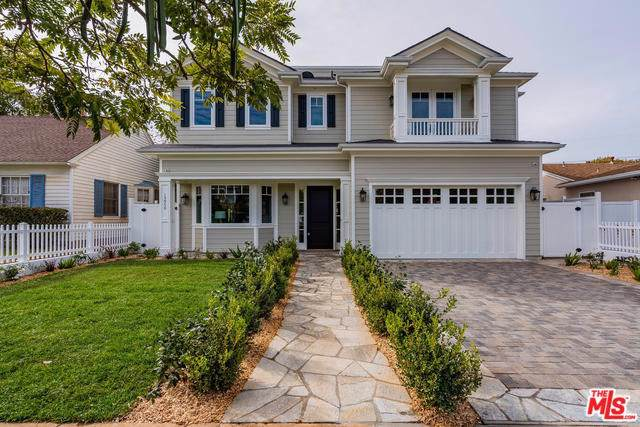 15950 Temecula Street, Pacific Palisades, CA 90272 (#19533216) :: Sperry Residential Group