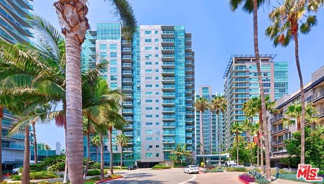 13700 Marina Pointe Drive #317, Marina Del Rey, CA 90292 (#19533958) :: Sperry Residential Group