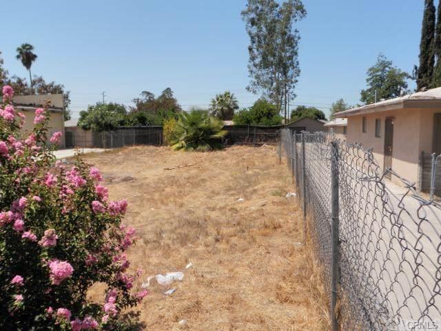 7570 Bonnie Street, Highland, CA 92410 (#SB19274725) :: Sperry Residential Group
