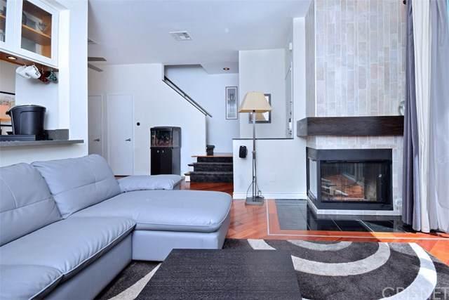 10455 Riverside Drive #3, Toluca Lake, CA 91602 (#SR19273605) :: The Brad Korb Real Estate Group