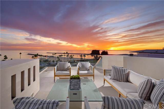 2928 Ocean Boulevard, Corona Del Mar, CA 92625 (#NP19269101) :: Sperry Residential Group
