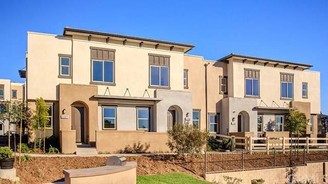 2142 Solara Lane, Vista, CA 92081 (#SW19275490) :: Sperry Residential Group