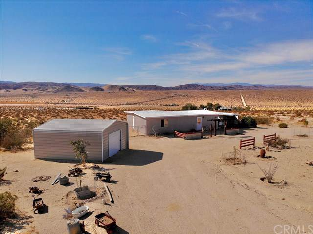 3154 Lear Avenue, 29 Palms, CA 92277 (#JT19275551) :: J1 Realty Group