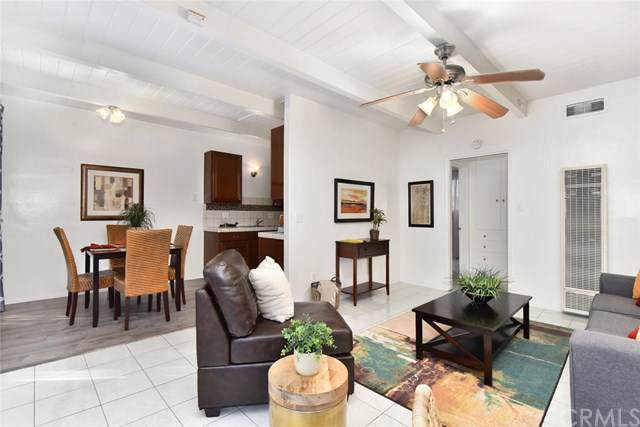 837 Chestnut Avenue #12, Long Beach, CA 90813 (#PW19274182) :: Sperry Residential Group