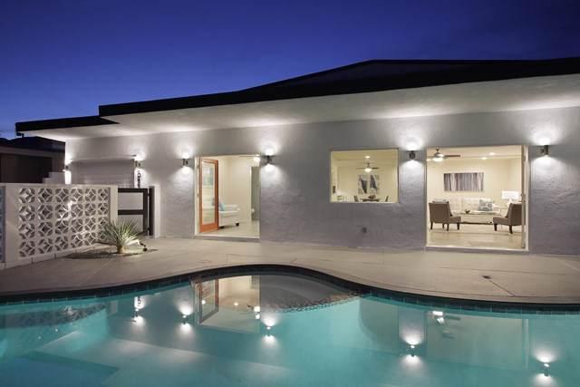 585 Paseo De Anza, Palm Springs, CA 92262 (#219034883DA) :: The Laffins Real Estate Team