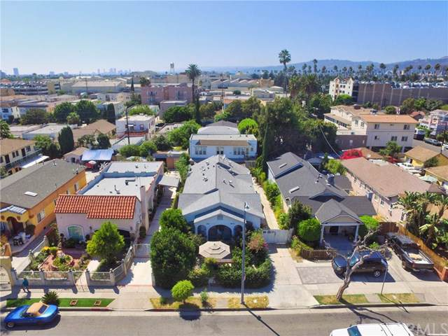 847 N Wilton Place, Los Angeles (City), CA 90038 (#RS19275856) :: The Danae Aballi Team