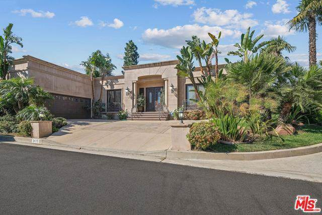 2473 Crest View Drive, Los Angeles (City), CA 90046 (#19534342) :: Rogers Realty Group/Berkshire Hathaway HomeServices California Properties