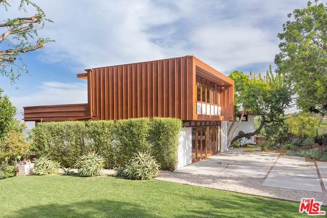 3499 Beverly Glen, Sherman Oaks, CA 91423 (#19534666) :: J1 Realty Group