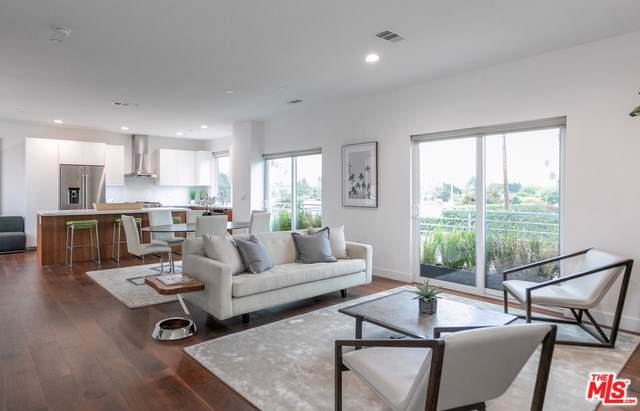 11724 Culver Boulevard #11, Los Angeles (City), CA 90066 (#19534812) :: Steele Canyon Realty