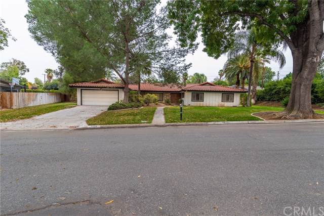 2006 Benbow Place, Riverside, CA 92506 (#IV19274455) :: Allison James Estates and Homes