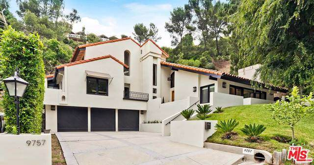 9757 Apricot Lane, Beverly Hills, CA 90210 (#19535030) :: Team Tami