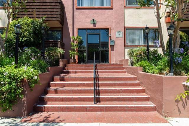 5403 Newcastle Avenue #42, Encino, CA 91316 (#SR19275648) :: A|G Amaya Group Real Estate