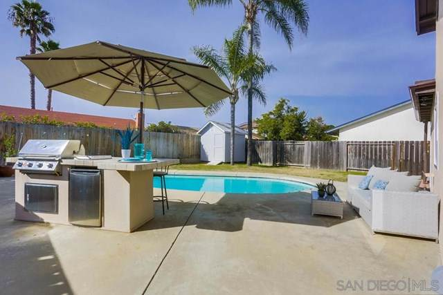13134 Avenida Grande, San Diego, CA 92129 (#190064072) :: The Laffins Real Estate Team