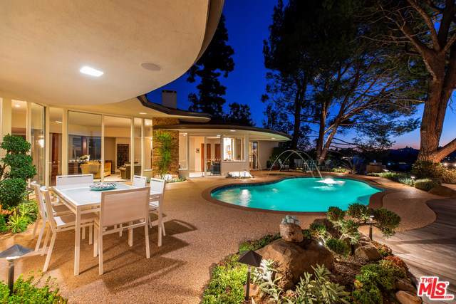 7932 Mulholland Drive, Los Angeles (City), CA 90046 (#19534612) :: Sperry Residential Group