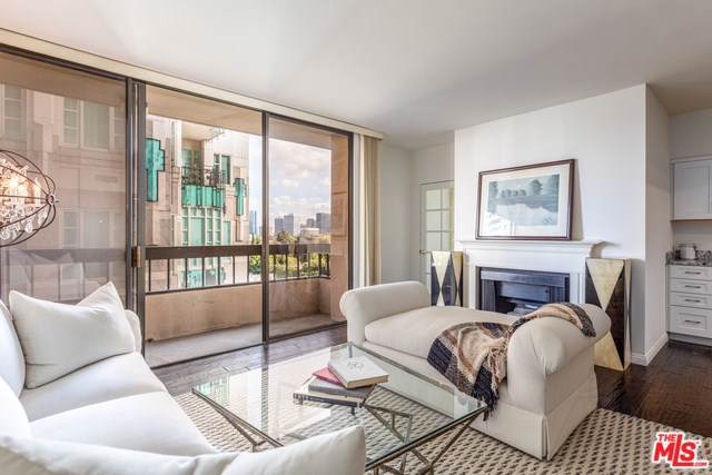 10590 Wilshire #902, Los Angeles (City), CA 90024 (#19535162) :: Sperry Residential Group